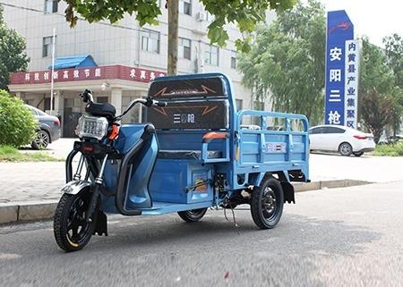 如何正确保养电动三轮车的电池